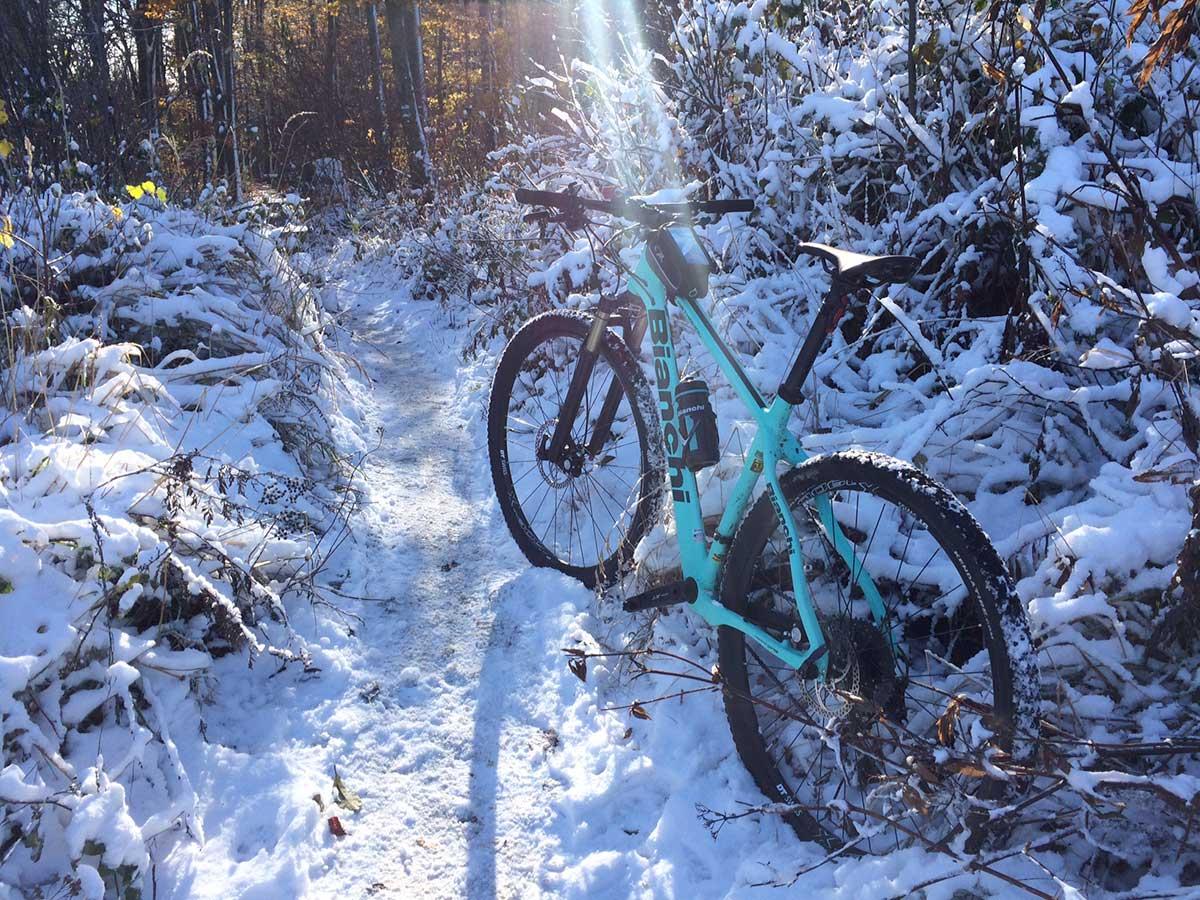 Srdečné MTB pozdravy zo zimných Malých Karpát