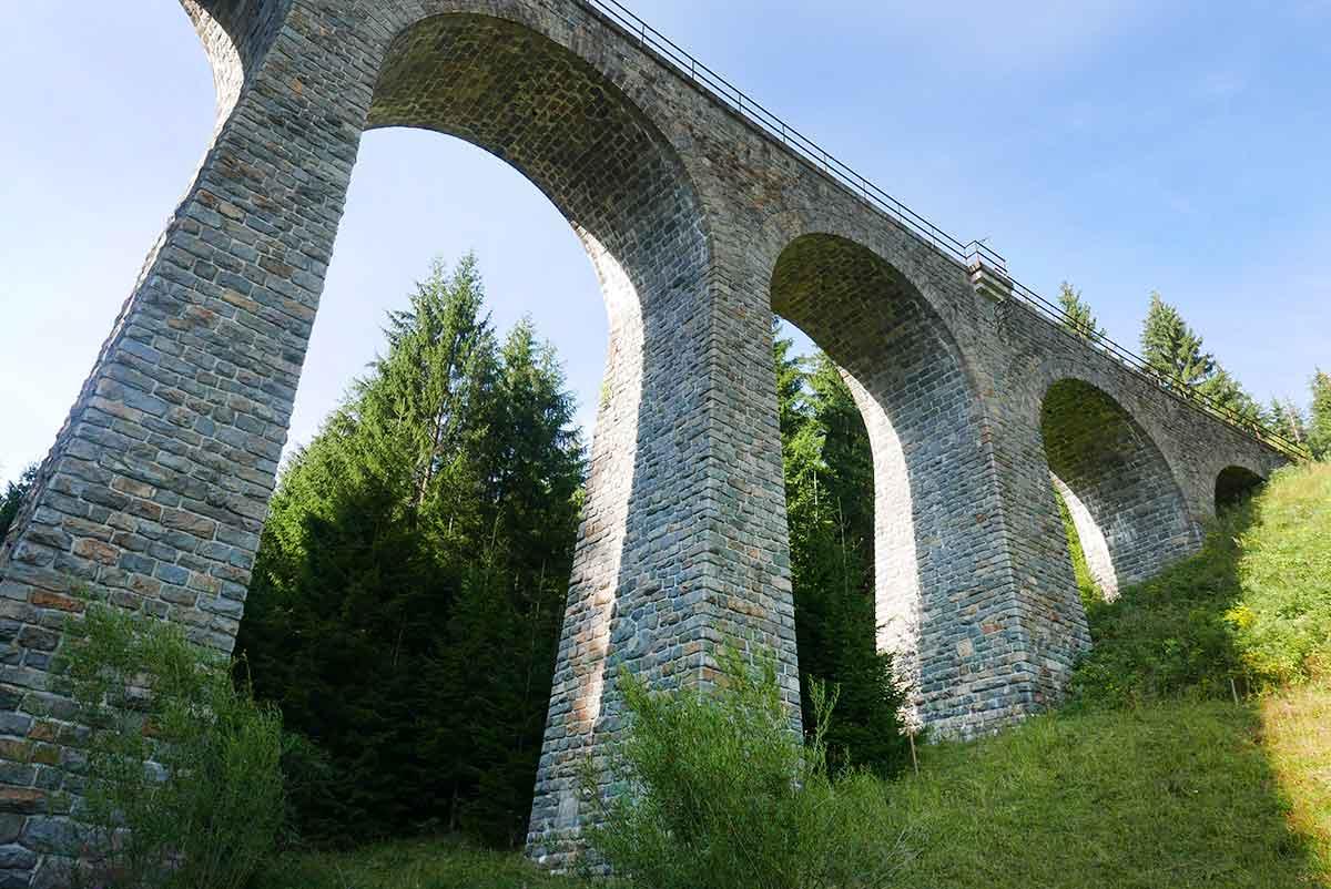 Top 10 najkrajších železničných tratí, ktorými by ste sa mali na Slovensku previezť