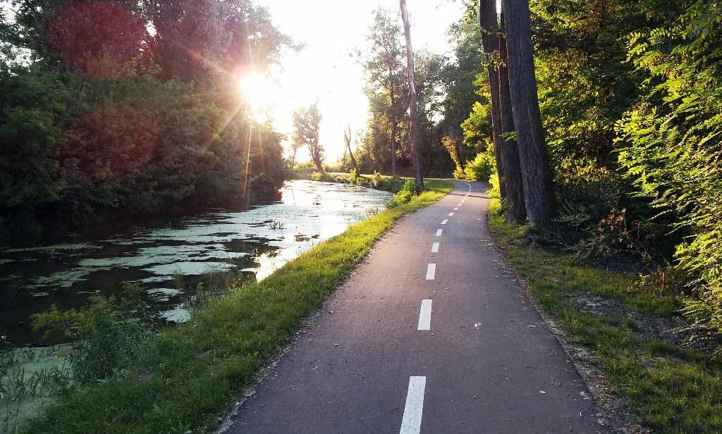 Len tak zľahka vlakom a bicyklom po okrese Seneckom