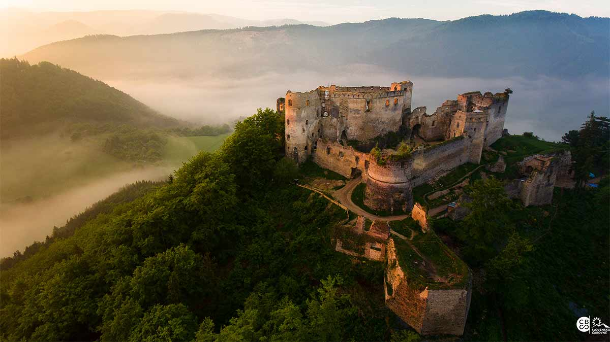 Ćarovné Slovensko