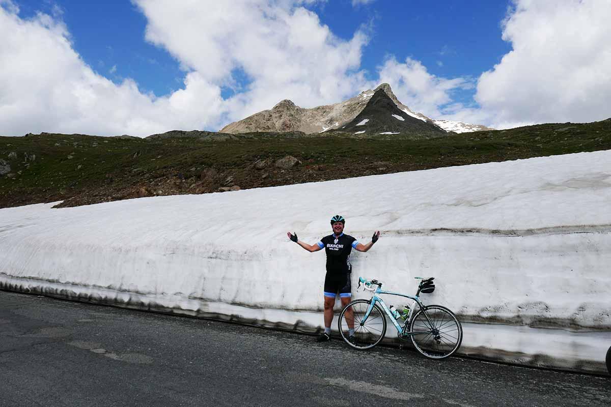 Passo di Gavia: Lombardský gigant medzi trojtisíckami a 10 najvyšší cestný priesmyk v Alpách