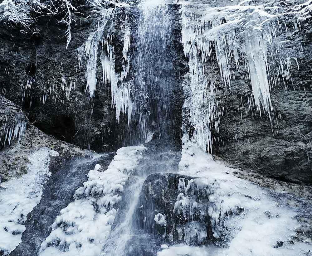 Sokolia dolina: Zimný prechod Slovenským rajom