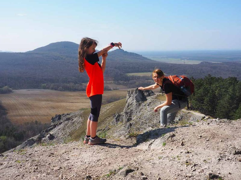 Okruh z Plaveckého Mikuláša cez Jeleniu horu, Mon Repos a Deravú skolu je nádherný.
