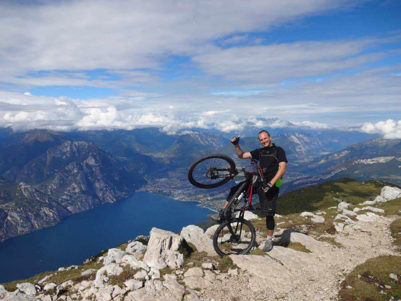 Cez leto MTB cez zimu lyžovačka, rozhovor s Adriánom Kiripolským o cyklistike a zážitkoch