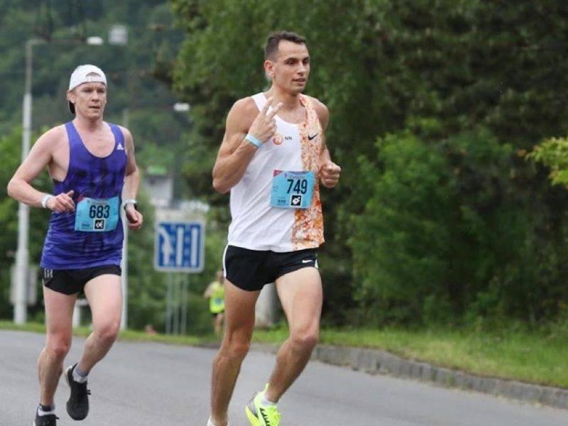 Traťový rekord na Bansko Bystrickom maratóne pre Restartnisa.sk