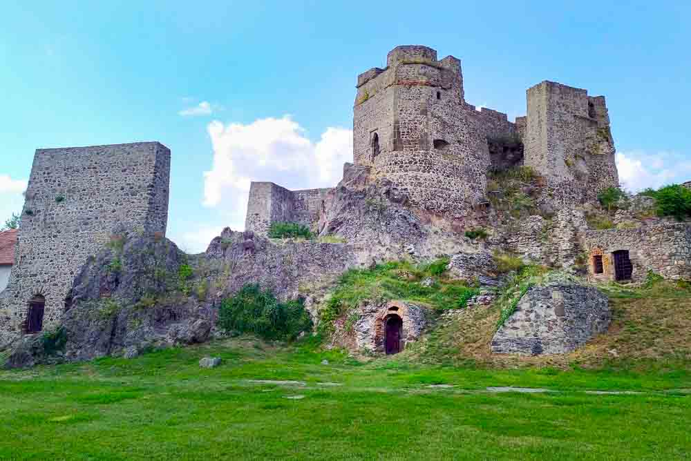 Potulky okolo Levického hradu, Hontianskych Tesárov a Tesárskej rokliny
