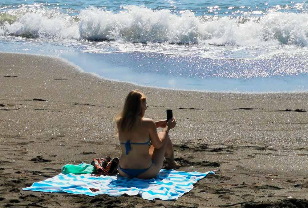 Ťažký plážový život instagram influencerky