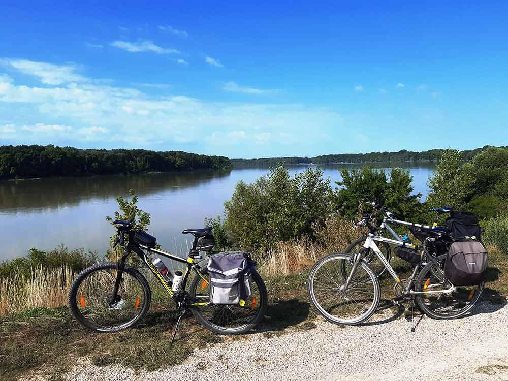 Vo štvorici na bicykli pri Dunaji alebo Tour de Malý Dunaj