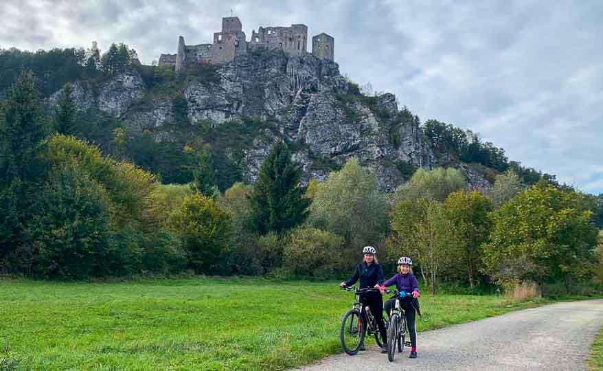 Cyklovýlet na hrady Strečno a Starhrad